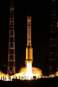 「プロトンM」ロケット、通信衛星「エクスプリェースAM8」の打ち上げに成功