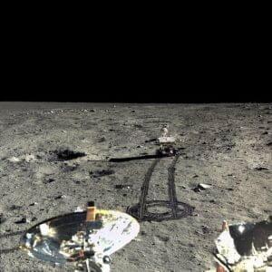 鮮明なフルカラーの月面写真、中国が一挙公開