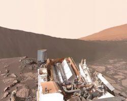 視点変更も可能! 火星の新360度映像で乾ききった大地を見てみよう