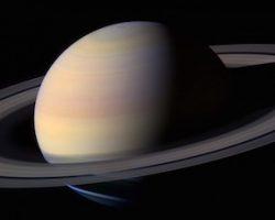 土星の環と一部衛星、恐竜よりも若かった!?