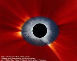 「皆既日食」の新画像がサウロンの巨大目玉みたいで恐い…