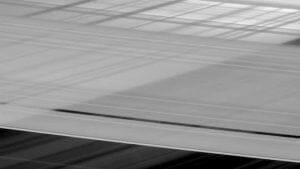 土星に「おばけの環」があった!? カッシーニが撮影
