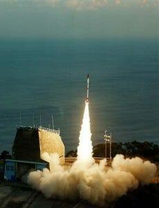 世界最小!超小型衛星打ち上げロケット、JAXAが突然発表