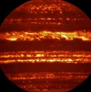 燃え盛るような「木星」、探査機ジュノー到着前に赤外線で撮影成功