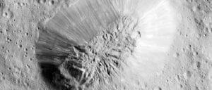宇宙の神秘。巨大な「氷の火山」を準惑星ケレスで撮影 エベレストの半分サイズ