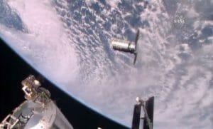 シグナス補給船、宇宙ステーションに無事到着 大西宇宙飛行士がキャッチ