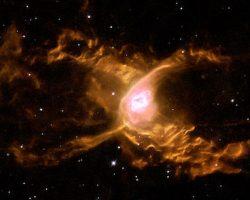 宇宙をさまようクモ ハッブルが捉えた美しい「いて座の惑星状星雲」