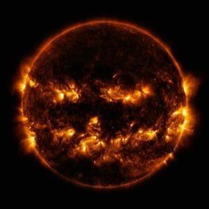 ハロウィン記念! どう見てもパンプキンな太陽画像をどうぞ