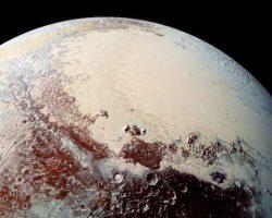冥王星のハート型クレーターの下には「隠れた海」が存在? 最新研究より