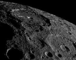探査機ドーンが準惑星「ケレス」の魅惑的な画像を撮影 肉眼によるイメージ画像も公開