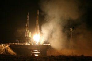 プログレス補給船、ロケット打ち上げ失敗 大気圏で焼失 3段目に問題か