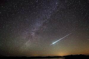 今日は「こぐま座流星群」が見頃 年間ラストの流星イベントの観測条件は?