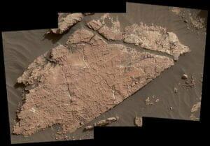 火星表面に「乾いた泥」? キュリオシティ、水があった証拠を新たに発見か