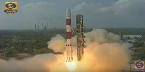 「104個の人工衛星」一気に打ち上げ成功 インドのPSLVロケットが新記録