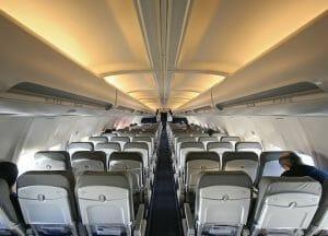 アメリカとイギリス、機内への電子機器持ち込み制限へ 中東地域からの航空便