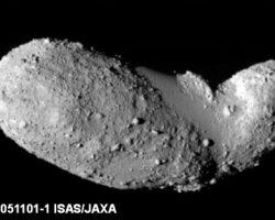 なぜあの地形に? 「小惑星イトカワ」謎の由来に新説