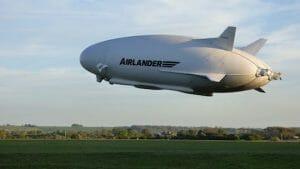 世界最大のハイブリッド飛行船「Airlander 10」 再び空を飛ぶ