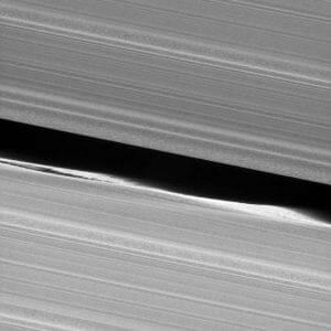 カッシーニ、土星の環の「キーラーの空隙」を捉える