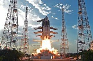 インド、「GSLV Mk-III」ロケット打ち上げ成功 「GSAT-19」衛星搭載
