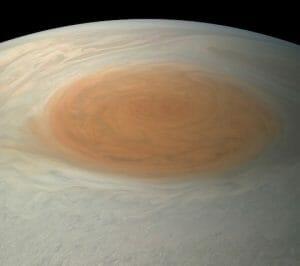 木星の「大赤斑」実際に見たらこんな色合い ジュノー観測