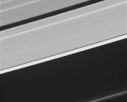土星探査機「カッシーニ」が最後に捉えた写真が公開 今夜土星にダイブ