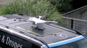 スイスで自律ドローンがコーヒ配達と車両着陸に初成功