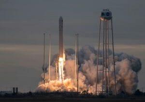 「アンタレス」ロケット打ち上げ成功 シグナス補給船で宇宙ステーションに物資補給へ