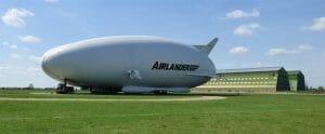 世界一のハイブリッド飛行船「Airlander 10」アクシデントで自動着陸 現在原因を調査中