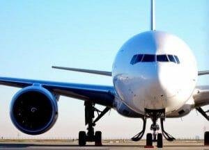 未来のパイロット、育てます。JALやANAがパイロット養成に奨学金提供へ