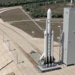 ファルコン・ヘビー初打ち上げに自身の「テスラ・ロードスター」搭載し火星に送る? イーロン・マスク氏語る