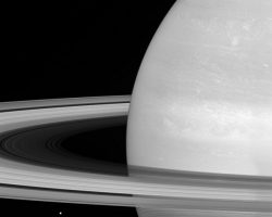 土星の環ができたのは「つい最近」の可能性、カッシーニ観測成果で浮上