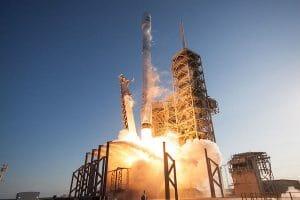 「ファルコン9」2月18日打ち上げ 自社衛星インターネット「Starlink」テストへ