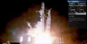 スペースX「ファルコン9」打ち上げ成功 衛星インターネット「Starlink」テストへ