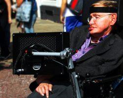 理論物理学の巨人、スティーヴン・ホーキング博士亡くなる 76歳