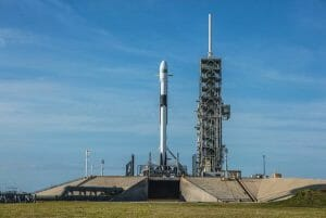 スペースX「ファルコン9 ブロック5」打ち上げ延期 11日に再度実施予定