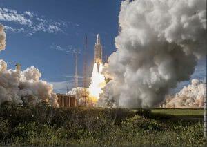 「アリアン5」ロケット打ち上げ成功 ガリレオ測位衛星打ち上げ