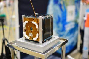 リーマン小型衛星が宇宙に。後継機の自撮り衛星は2019年予定