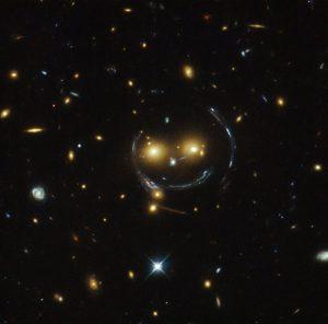 宇宙の笑顔とされる天体。時にカボチャの魔除けのよう