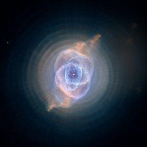 全天体の中で最も複雑な構造を持つ「キャッツアイ星雲」
