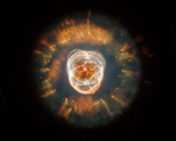 「エスキモー星雲」これが太陽の最期の姿かもしれない