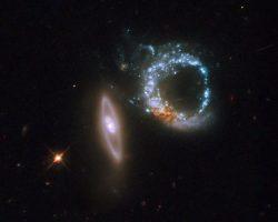 星形成の指輪とブラックホールの宝石