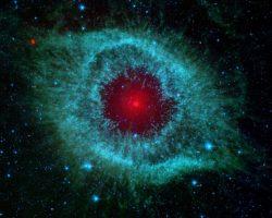 らせん星雲という地球を見つめる目