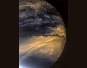 """「あかつき」の""""高性能""""100万画素カメラが捉えた金星の雲運動"""