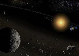 小惑星に水、赤外線天文衛星「あかり」が発見
