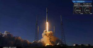 スペースX、次世代「GPS III」衛星をファルコン9で打ち上げ