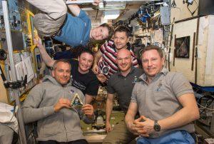ISS長期滞在の宇宙飛行士3名が12月20日に地球に帰還