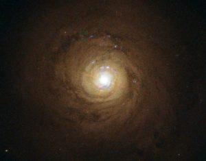 超巨大ブラックホールから放出され続けている膨大なガス