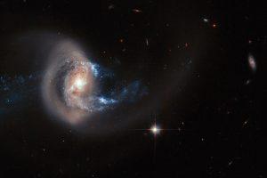 合体を進行している渦巻銀河「NGC 7714」