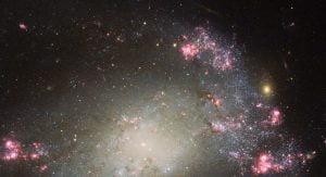 歪んだ銀河の中で生まれる星と超新星爆発