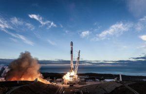 スペースX「ファルコン9」、最後のイリジウム衛星群投入し着陸成功